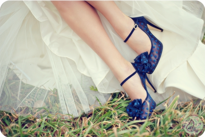 kate-spade-wedding-shoes-navy-polka-dot.original