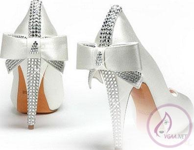 kurdeleli-gelin-ayakkabi-modeli