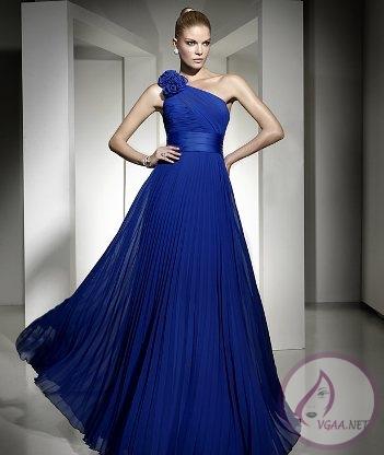 mavi-uzun-pileli-abiye-elbise-modeli