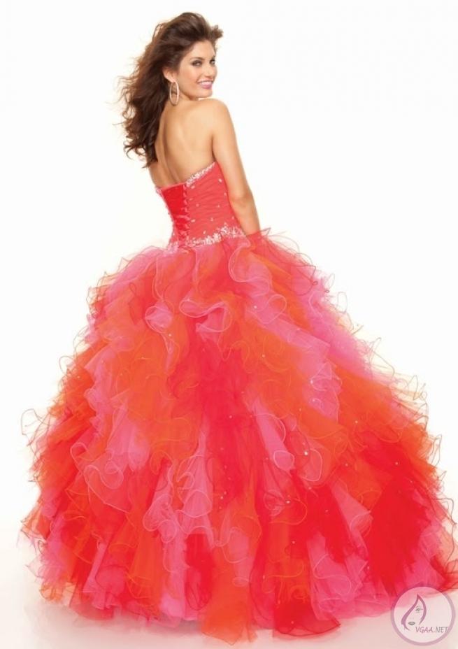 Kabarık-Nişan-Elbise-Modelleri-9