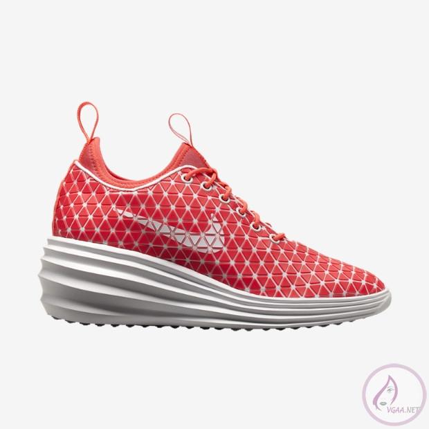 Nike-LunarElite-Sky-Hi-Womens-Shoe-652902_100_A